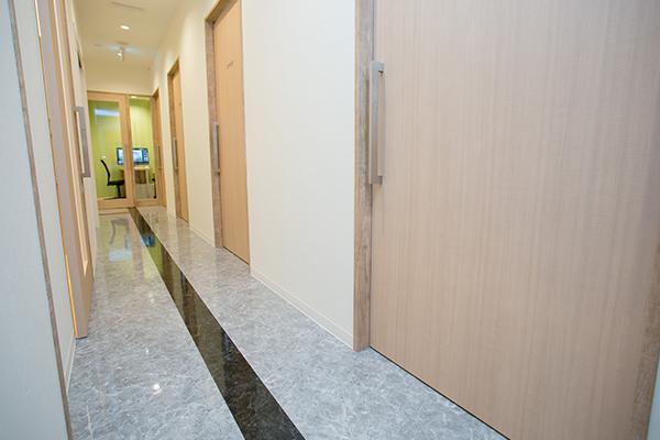 診療室通路